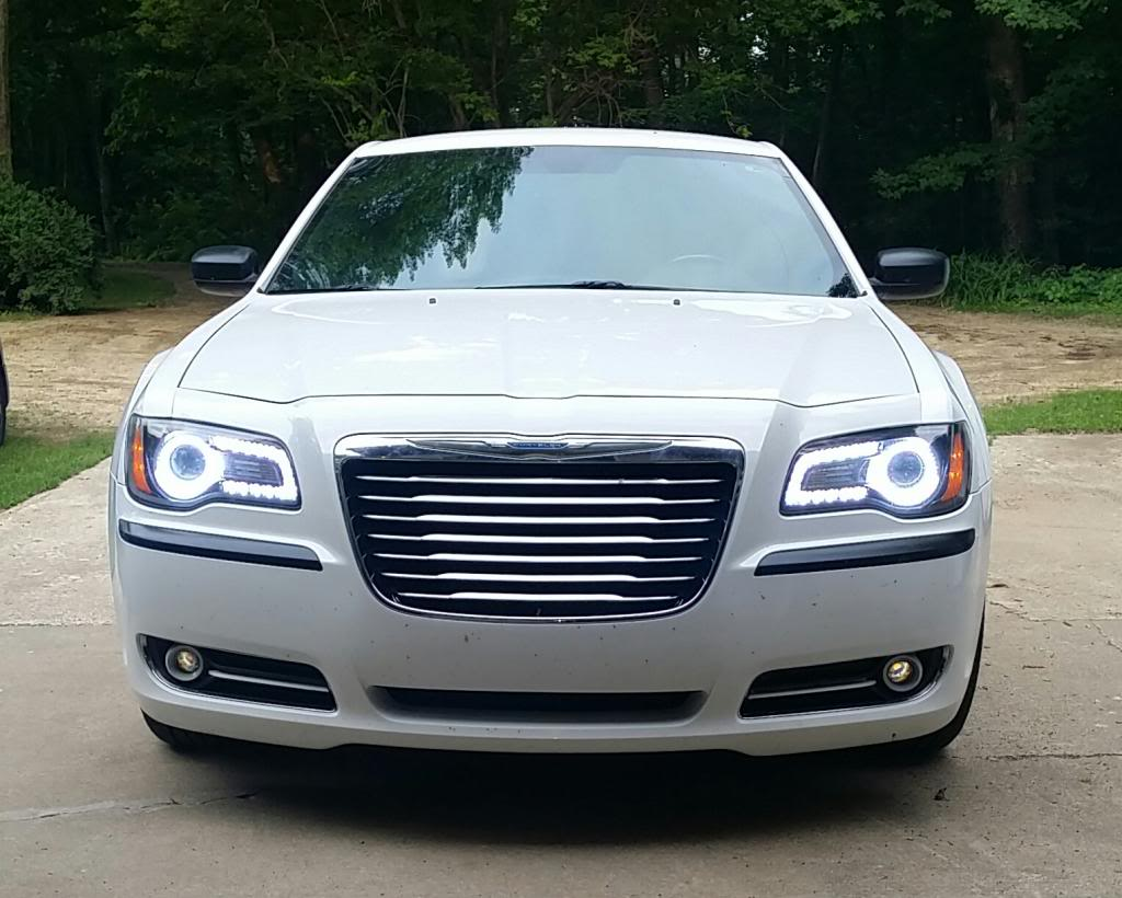 Chrysler 300 white led halo headlight kit 2011 2016